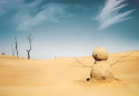 bonhomme-neige-sable-desert